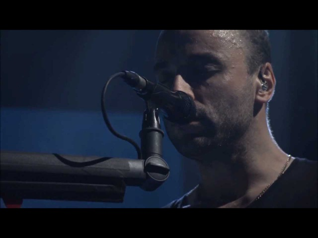 (HD) Muse - Survival LIVE AT iTUNES FESTIVAL 2012