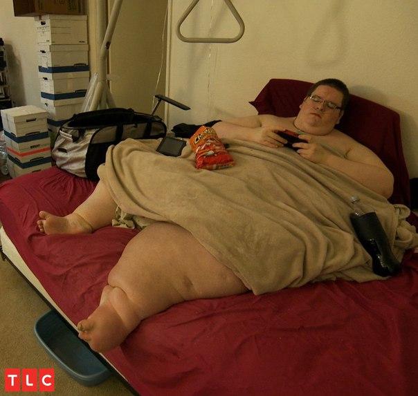 В кровати смотреть толстые девушек