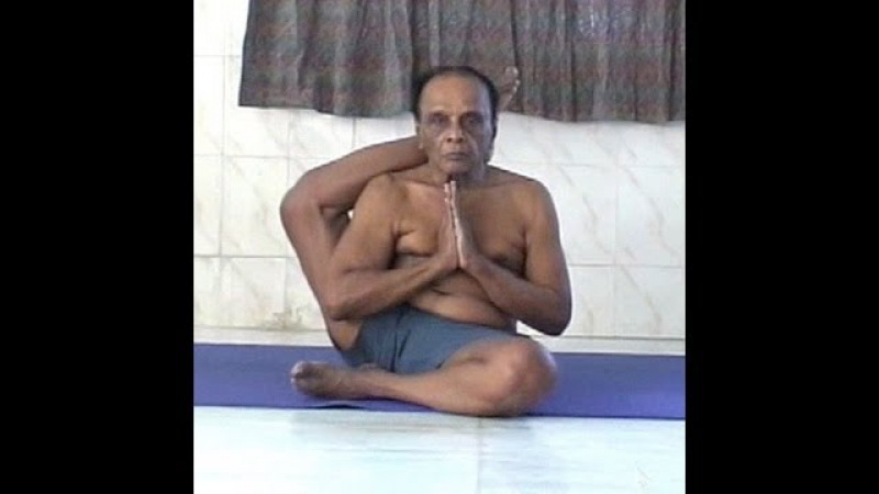 Guruji Dr. Asana Andiappan's Yoga Practice Video at the age of 82