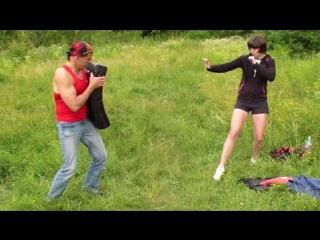 Боковой удар ногой. Драка. Как научиться драться
