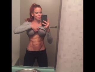IFBB Pro Bikini Ana Delia de Iturrondo: видео селфи