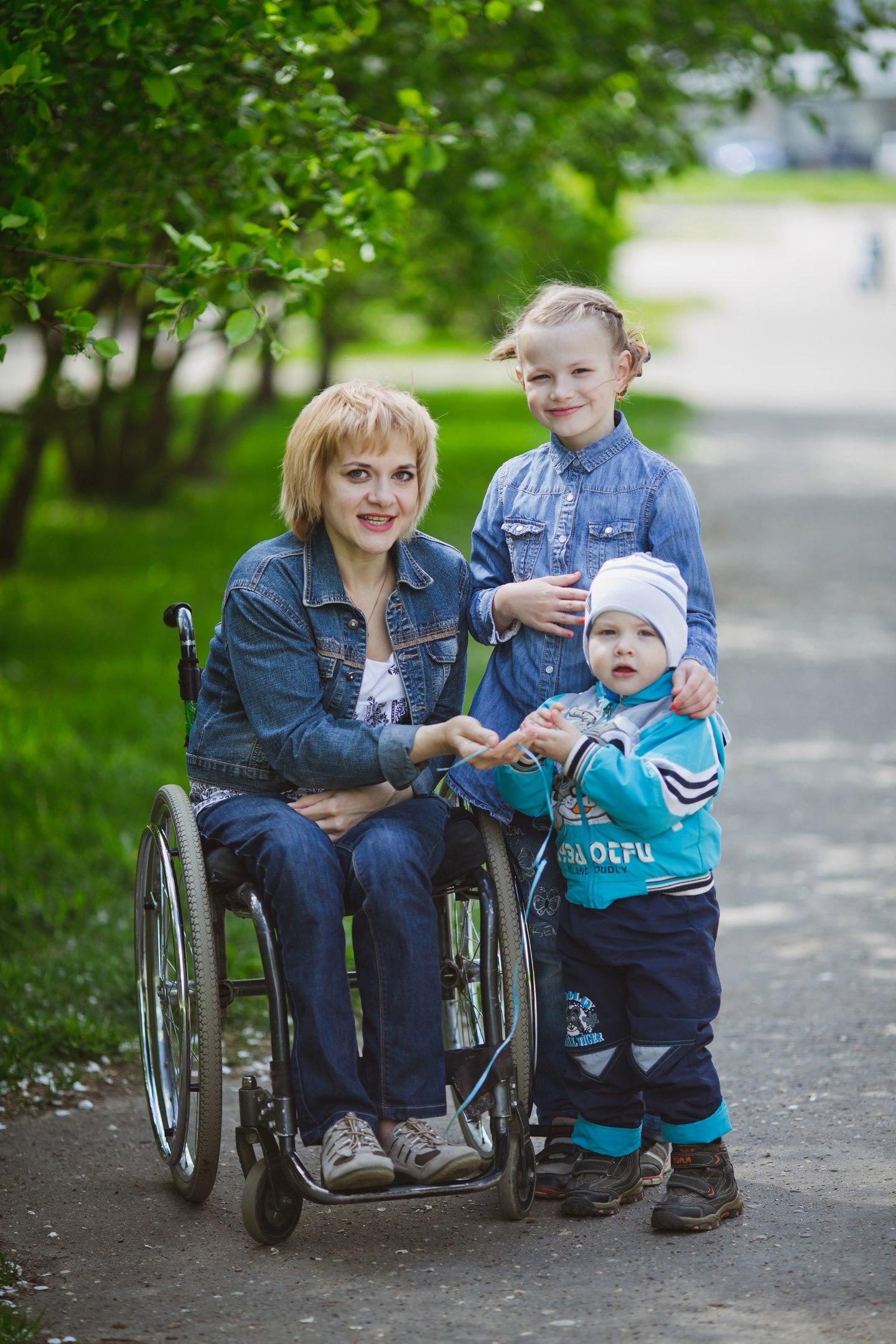 Наталья Булгакова с детьми