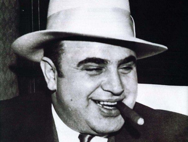 Аль Капоне придумал ставить срок годности на молочных продуктах.