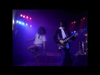 Queen - a night at the odeon hammersmith - 1975