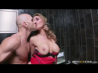 Tanya tate соблазнила парня своей мечты ресторана (mature, milf, bbw, мамки порн