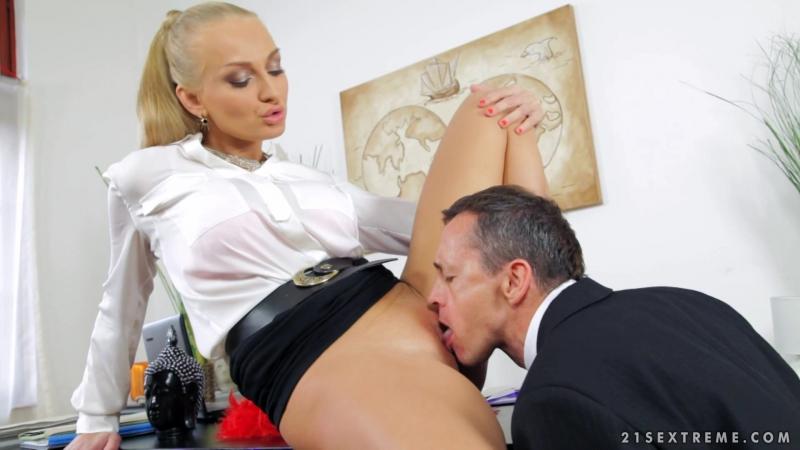 Секс с начальницей бразерс, порно в любое время суток