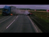 Субарист влетел в фуру на трассе Челябинск-Троицк