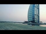 Jumeirah Beach hotel, close to Burj Al Arab, Dubai, OAE.