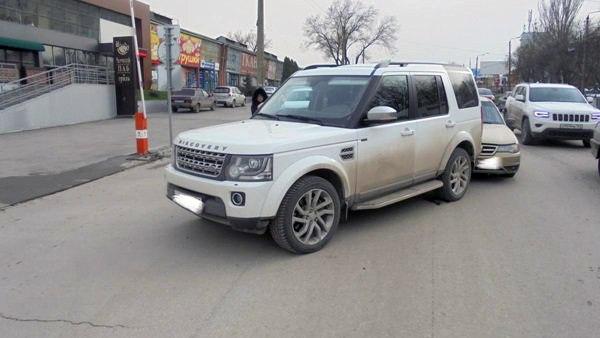 Вчера в Таганроге Land Rover столкнулся с Daewoo Nexia