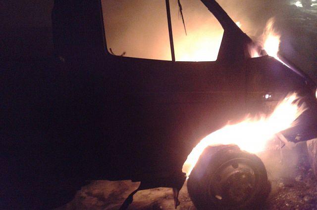 В Таганроге в СЖМ подожгли «ГАЗель»