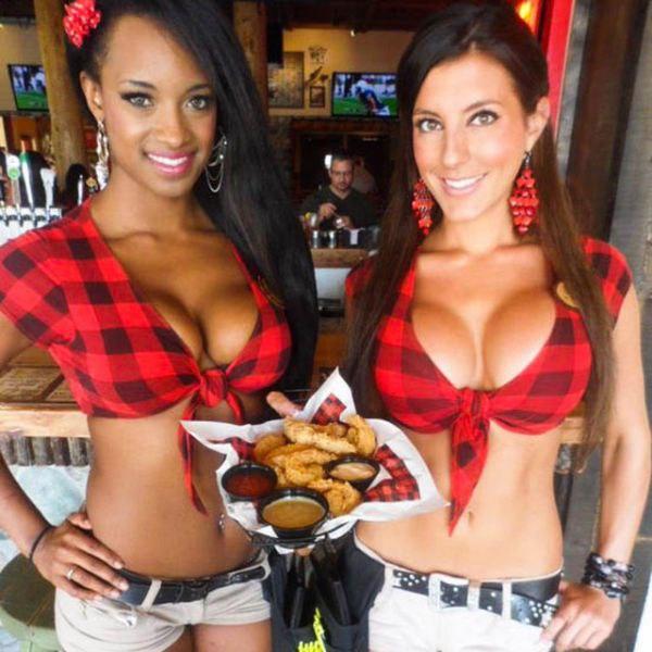 Официантки в бикини, официантки Twin Peaks