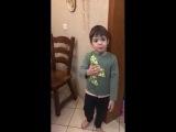 Прикол. Ребенок  защищает мышей. Илья Г.