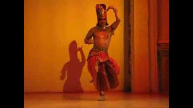 Исполнитель индийских танцев. Соло. Камадев. Киев 38 067 911 62 83