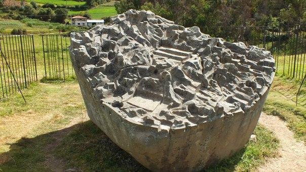 монолиты комплекса Сайвите
