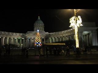 Прогулка по Невскому проспекту в новогоднюю ночь.