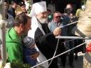 Владыка Платон звонит в колокола храма святого праведного Агапита Печерского
