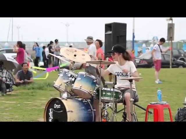 S. White. cute girl love drunk drum cover Барабанщица-виртуоз из Тайваня.