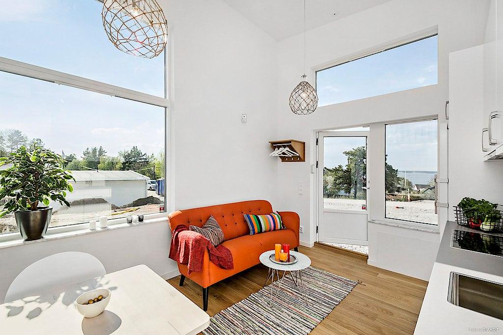 Маленький домик-студия 19 м (+ второй уровень 6 м).