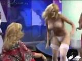 СУПЕР-Сорвали платье в прямом эфире (не порно ,не эротика,не секс )