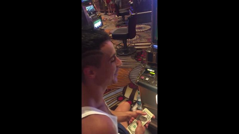 Las Vegas, просирание бабосиков...😂💸💸💸💸🎰🎰🎰🎰🎰