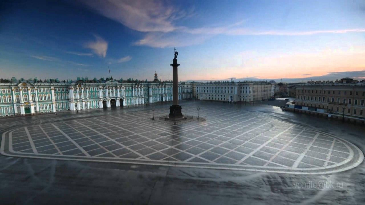 Дровцовая площадь, Эрмитаж, Александровская колонна