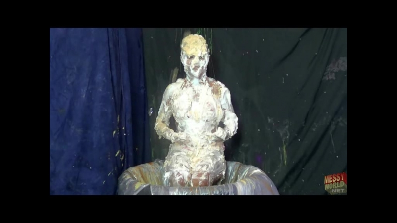 Wet and messy girls 2539