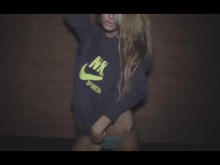 Sexy Girl Striptease hot strip dance twerk porn erotic playboy