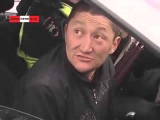 Бухой водитель, из Курганской области, РФ,при аварии полетели обе тапки))