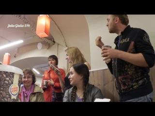 Видеоблогера Самвела Адамяна и его зрителей выгоняют из кафе в санкт-петербурге