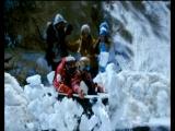 Лыжник и сноубордист. Ёлки 2(2011) прикол