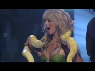 MTV VMA 2001 - Britney Spears - I'm A Slave 4 U (со змеей)
