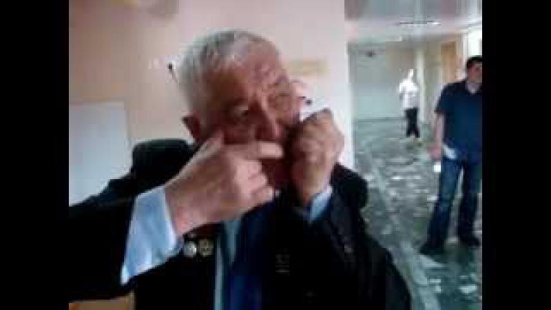 Виртуоз кубызист Мира Роберт Загретдинов исполняет на тимер кубызе