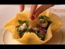 Салат из креветок, мидии в томатном соусе, киш с сёмгой