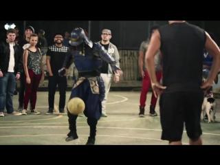 Самурай играет в футбол | samurai in brazil