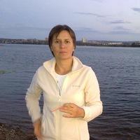 Юлия Азарова