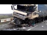 8 Человек Погибло в Страшном Лобовом Столкновении Микроавтобуса и Фуры