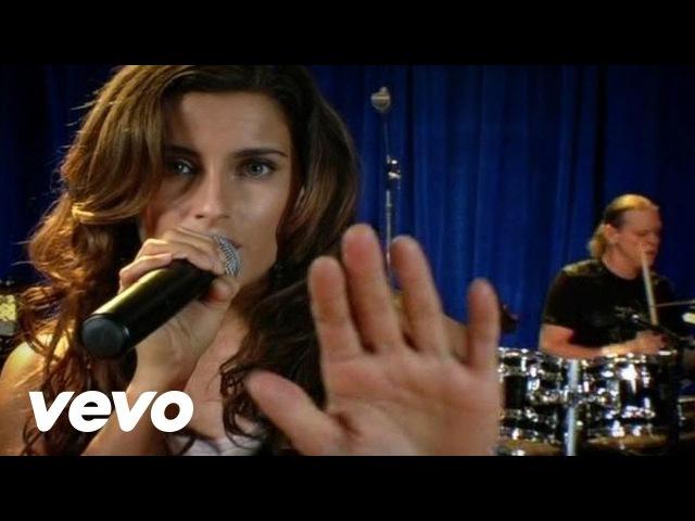 Nelly Furtado - Say It Right (Live)