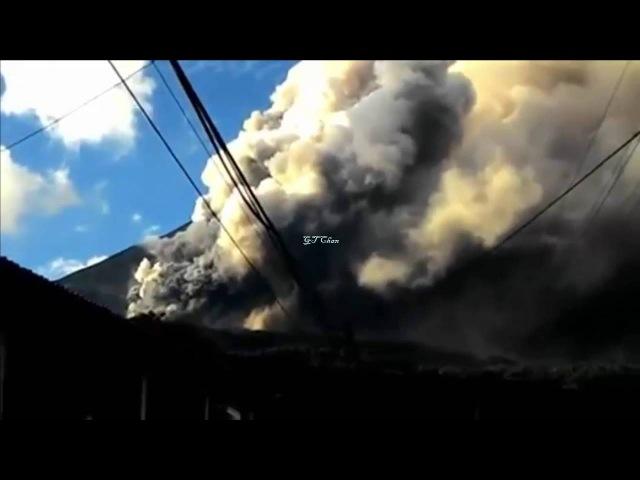 Video Amatir Meletusnya Gunung Karangetang Sulawesi