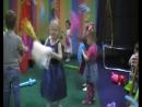 Танец с помпонами в исполнении Виктории