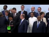 «Улыбочку»_ вся мировая политика в одном «семейном фото»