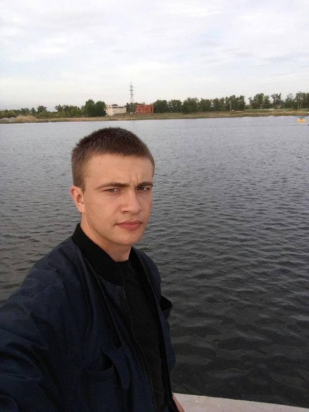 Илья Топориков |