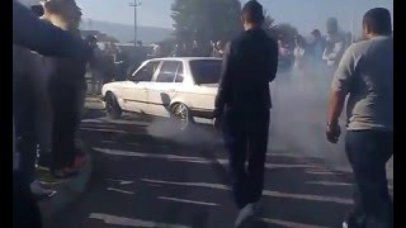 BMW E30 335i Brutal Burnout