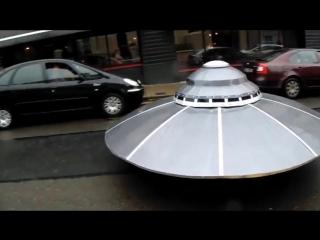 Погоня полиции за летающей тарелкой