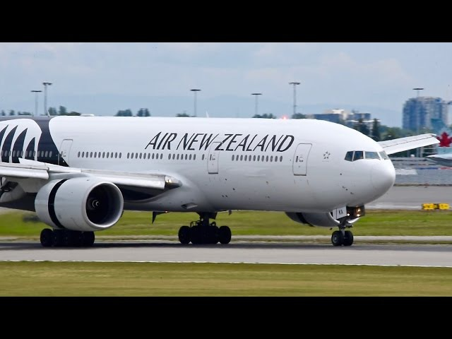 10 Minutes of 777's Landing at Vancouver (YVR) - 22JUN16