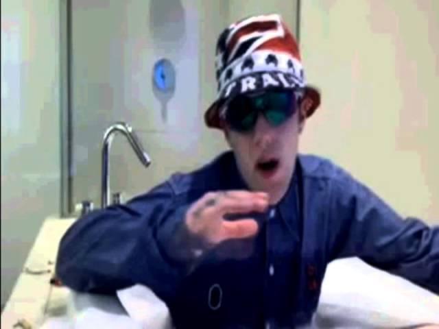 MAC MILLER ON DRUGS IN THE BATH TUB