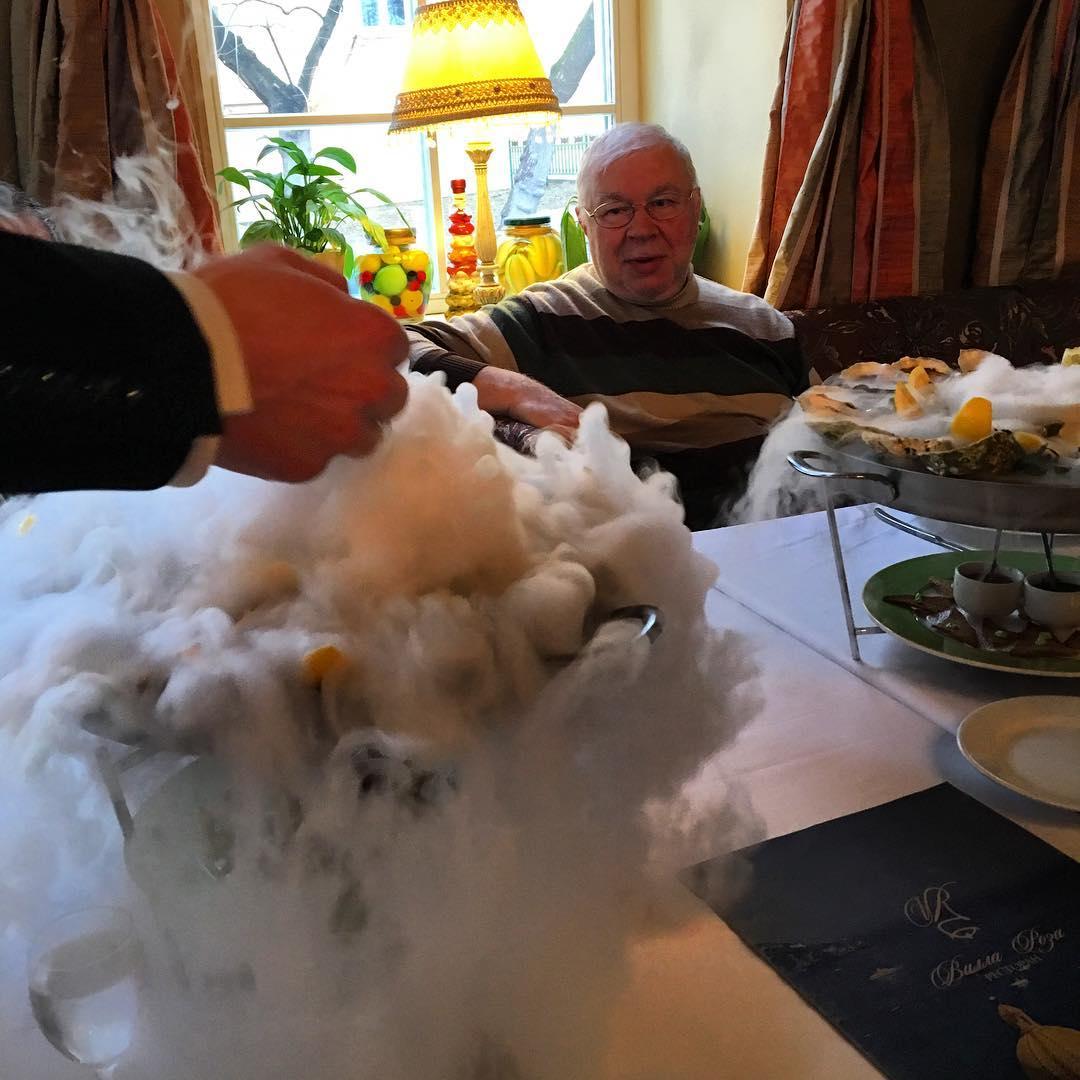 Какое счастье, сегодня был в ресторане, где обедал муж Собчак