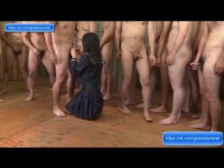 Скриншот: Няня показывает сиськи мальчику
