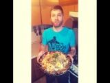 Только в Казахстане, русская семья готовит Бесбармақ и зовёт казахов в гости. ( а так же угощает корейскими салатами ???) Наурыз