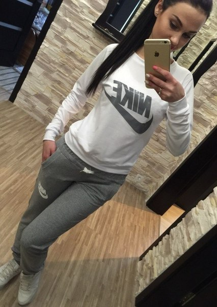 спортивный костюм женский серый nike