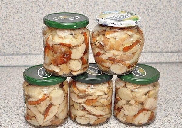 Вкусный маринованных белых грибов